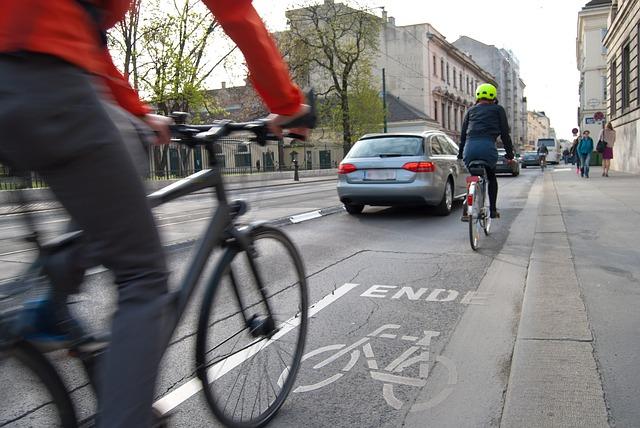http://zitennsya.cloud-line.com/zitennsya/images/cyclists-1750975_640.jpg